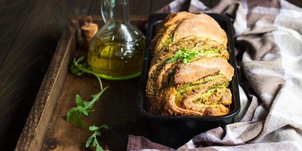 Pan de ajo con pesto
