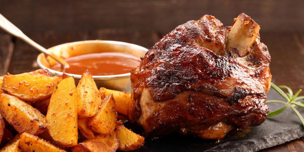 Jarret de porc confit et pommes de terre